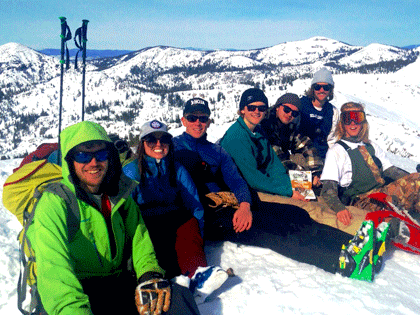 Dean of 学生们 Will Hoida led a group of students backcountry skiing in the Tahoe Basin