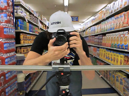 数字艺术 student gets video of a local grocery store to use for a few different classes, like marketing or entrepreneurship, at SNU Tahoe